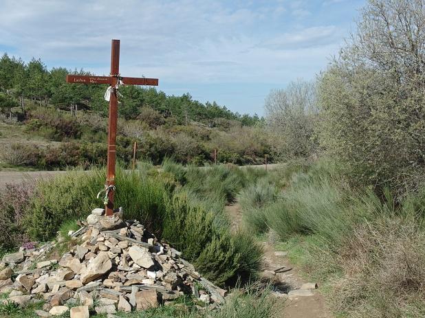 Danach geht es weiter über die Hochebene des Monte Irago.